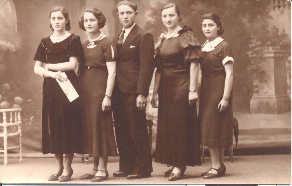 de gauche à droite les 5 enfants : Léa, Sura, Jacques, Malka et Elka WARECH [collection particulière famille Warech]